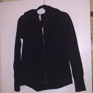 Lululemon Black Size 6 Jacket.  Good used conditio